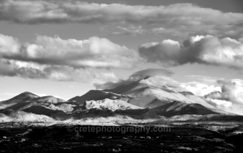 Mount Ida black and white